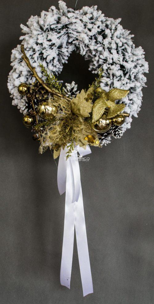 wianek wieniec bożonarodzeniowy świąteczny do powieszenia zawieszenia położenia nowoczesny oryginalny biały złoty dekoracja ozdoba polski produkt ośnieżony oprószony śniegiem na drzwi
