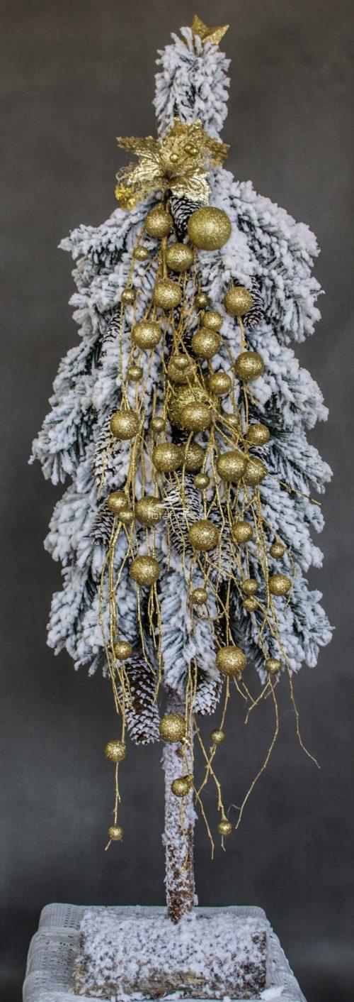 Choinka biała ubrana w złote dodatki na pniu gęsta sztuczna duża wysoka obielona bielona pruszona śniegiem