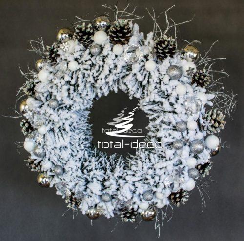 śnieżony wianek bożonarodzeniowy/stroiki świąteczne