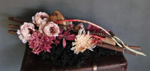 rustykalna kompozycja kwiatowa/wiązanki na cmentarz