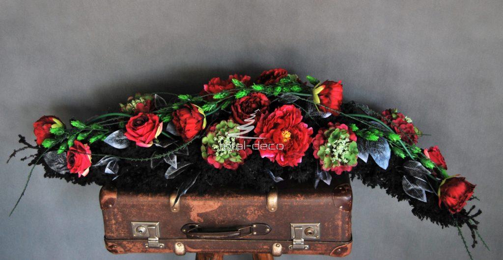 podłużne wiązanki na cmentarz-girlandy kwiatowe na wszystkich świętych