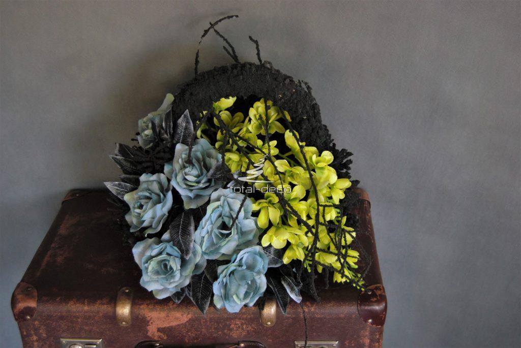 Dekoracje ze sztucznych kwiatów na cmentarz
