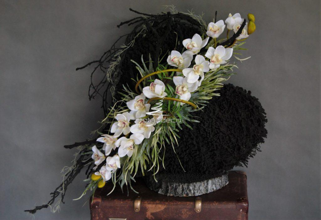 Dekoracja nagrobna piękne duże serce-najmodniejsze wiązanki na wszystkich świętych
