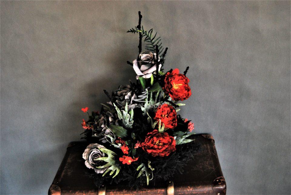 wysoka kompozycja na cmentarz