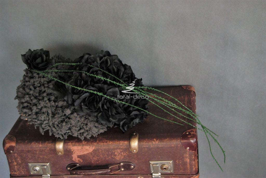czarny wianek nagrobny/e dekoracje na wszystkich świętych