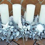 Piękny stroik świąteczny ze świecami