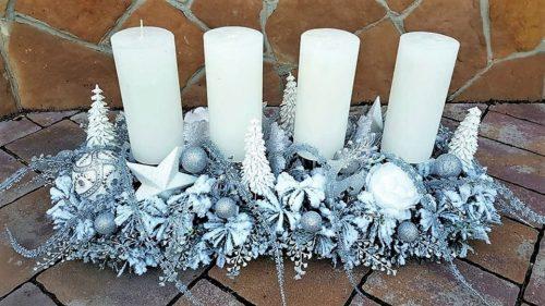 Duży stroik na stół świąteczny ze świecami nowoczesny ośnieżony unikatowy niepowtarzalny