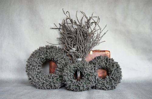 nowoczesne szare wianki świąteczne/spody pod wieniec na cmentarz-jak zrobić wianuszek na wszystkich świętych