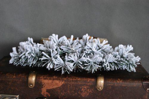 ośnieżony sztuczny podkład pod stroik baza florystyczna nowoczesny wygląd unikatowa ozdoba świąteczna na stół na drzwi