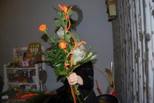 Róże z pomarańczowymi dodatkami