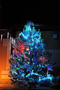 duże dekoracje bożonarodzeniowe na zewnątrz