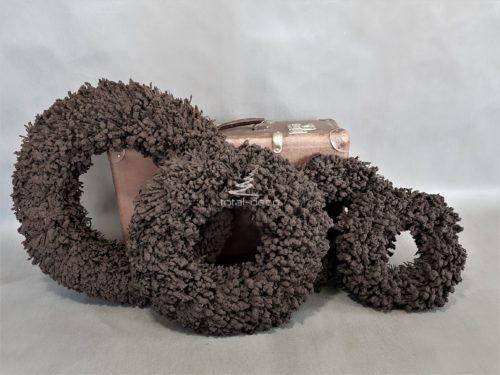 wianki brązowe grube i solidne w zimnym kolorze gożkiej czekolady nowoczesna dekoracja świąteczna na stół na drzwi bożonarodzeniowa ozdoba sklep online