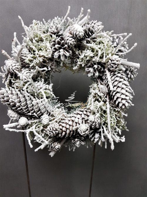 ośniezony wianek wieniec na drzwi na stół dekoracja bożonarodzeniowa oryginalna ozdoba naturalna