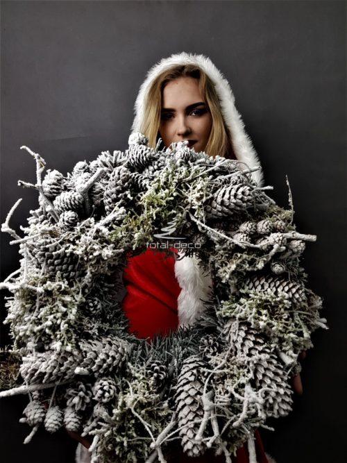 biały wieniec świąteczny/wianki bożonarodzeniowe