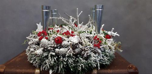 nowoczesna dekoraca świątecza stroik bożonarodzeniowy dekoracja stołu ze świecami świecznikami stroik na stół wigilijny