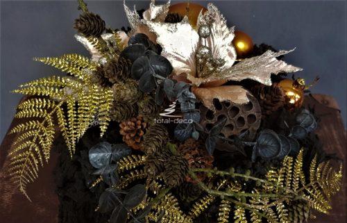 wieniec na grób świąteczna dekoracja nagrobna bożonarodzeniowa kompozycja na święta bożegonarodzenia dekoracja nagrobna świąteczne stroiki na cmentarz udekorowane