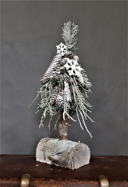 choinka mała na pniu stroik świąteczny szadziowana choinka ośnieżona biała choinka choinka z zimowymi dodatkami