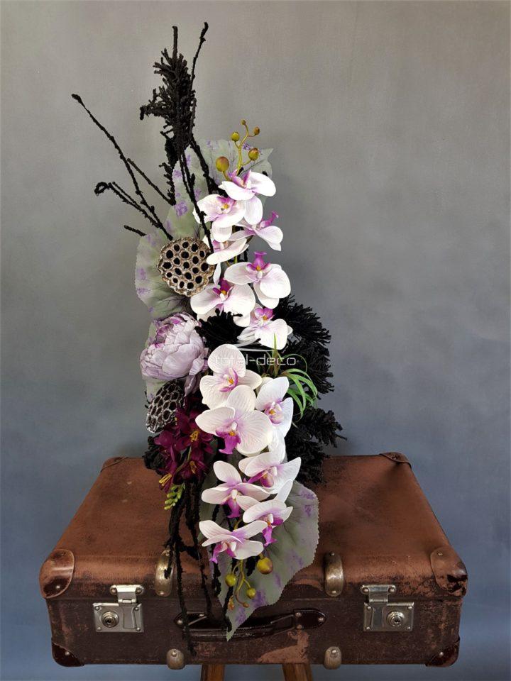 Bukiet ze sztucznych kwiatów do wazonu na cmentarz