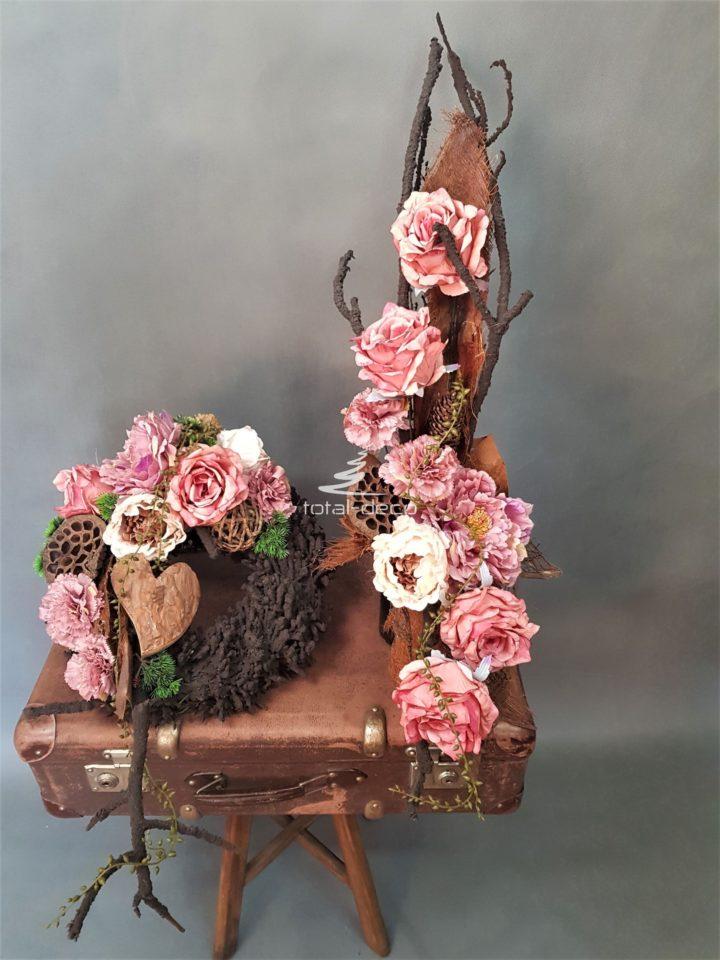 Zestaw nagrobny wianek z bukietem na cmentarz na brązowych bazach z pięknymi sztucznymi kwiatami
