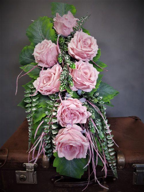 bukiet z jasno różowych róż na 1 listopada/kwiaty do bukietu na pomnik