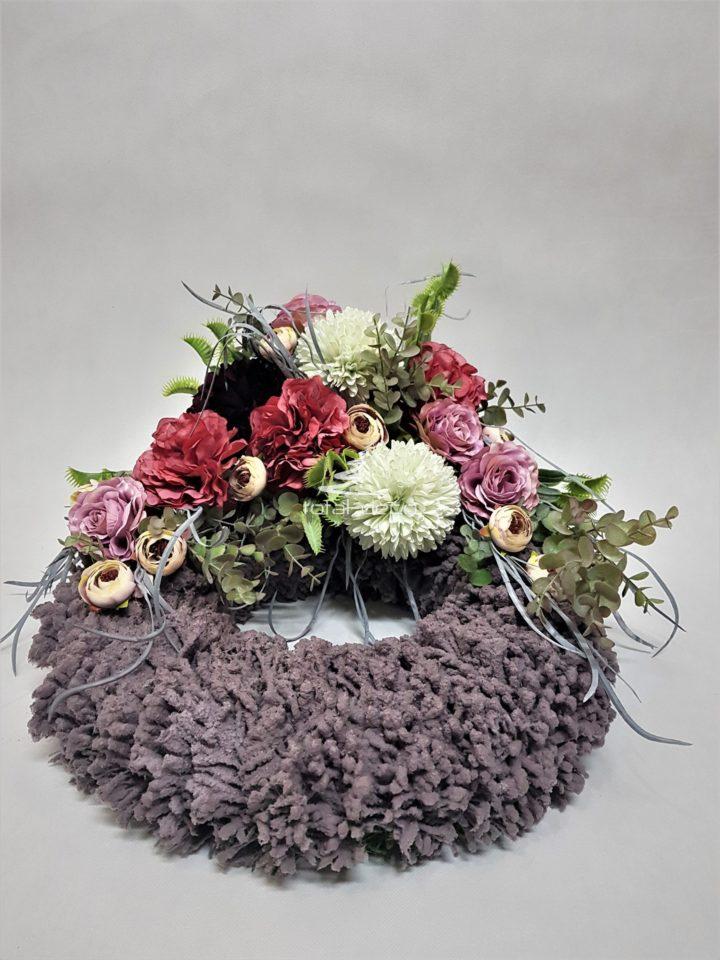 oryginalna kompozycja kwiatowa na cmentarz/stroiki na święto zmarłych