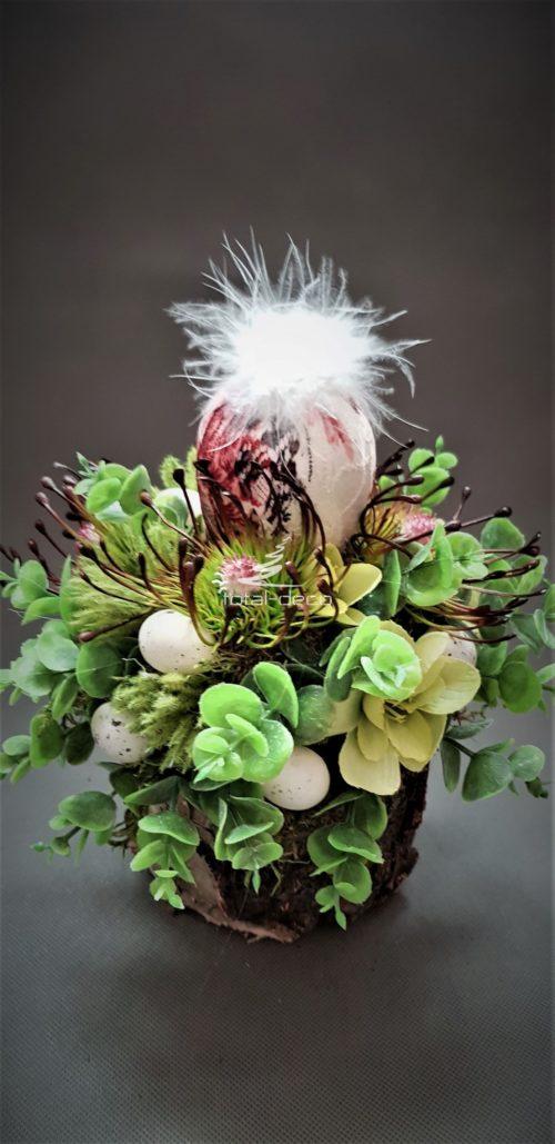 dekoracja wielkanocna zielono bordowa z koronkowym jajkiem