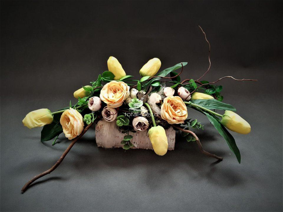 ozdoby wielkanocne ręcznie robione ze sztucznych kwiatów/sklep z dekoracjami na wielkanoc
