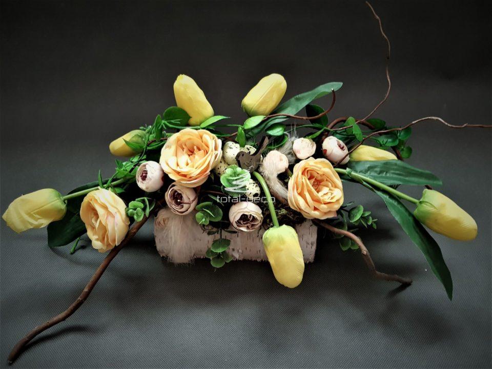 dekoracja wielkanocna z zółtymi kwiatami sztucznymi/stroiki na wielkanoc najtaniej