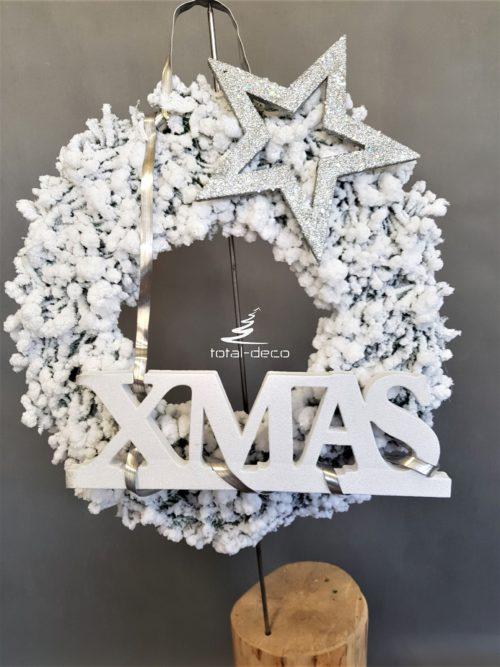 Biały wianek bożonarodzeniowy