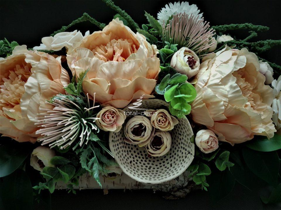 dekoracja kwiatowa na cmentarz/wielkanocne stroiki na groby