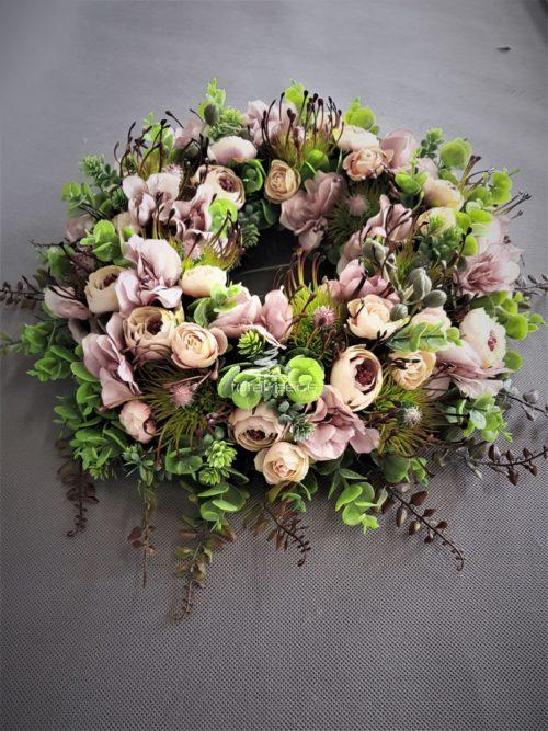 wianek na drzwi-dekoracyjne wianki kwiatowe