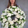 Biały wianek ze sztucznych kwiatów na 1 komunię świętą
