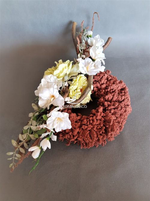 niepowtarzalny wianek kwiatowy na cmentarz/stroik nagrobny
