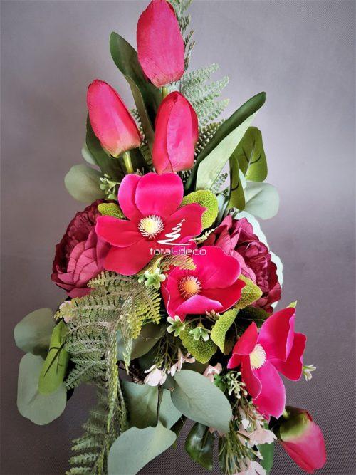 kompozycja kwiatowa z czerwonych kwiatów sztucznych na cmentarz