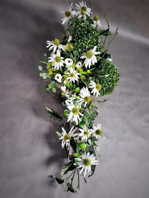 Kompozycja kwiatowa na cmentarz