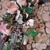 piękna dekoracja nagrobna/stroik na cmentarz w kształcie serca