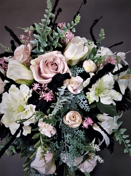 kompozycje ze sztucznych kwiatów na cmentarz