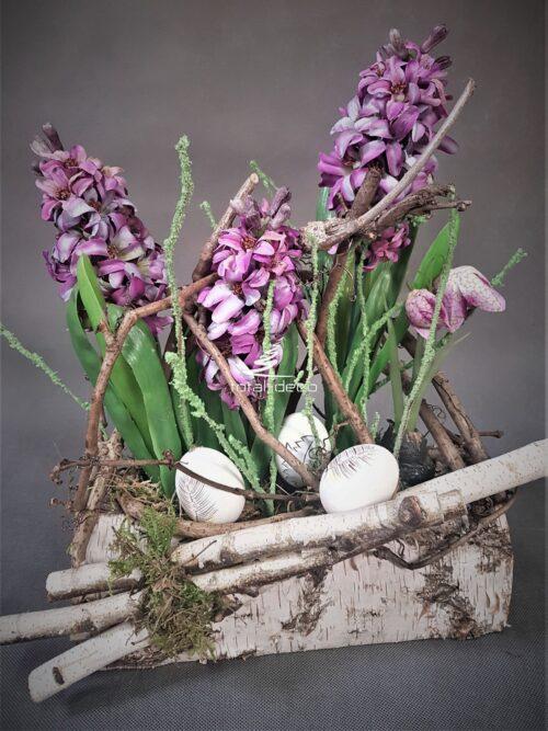 wiosenna kompozycja-hiacynty z brzozą